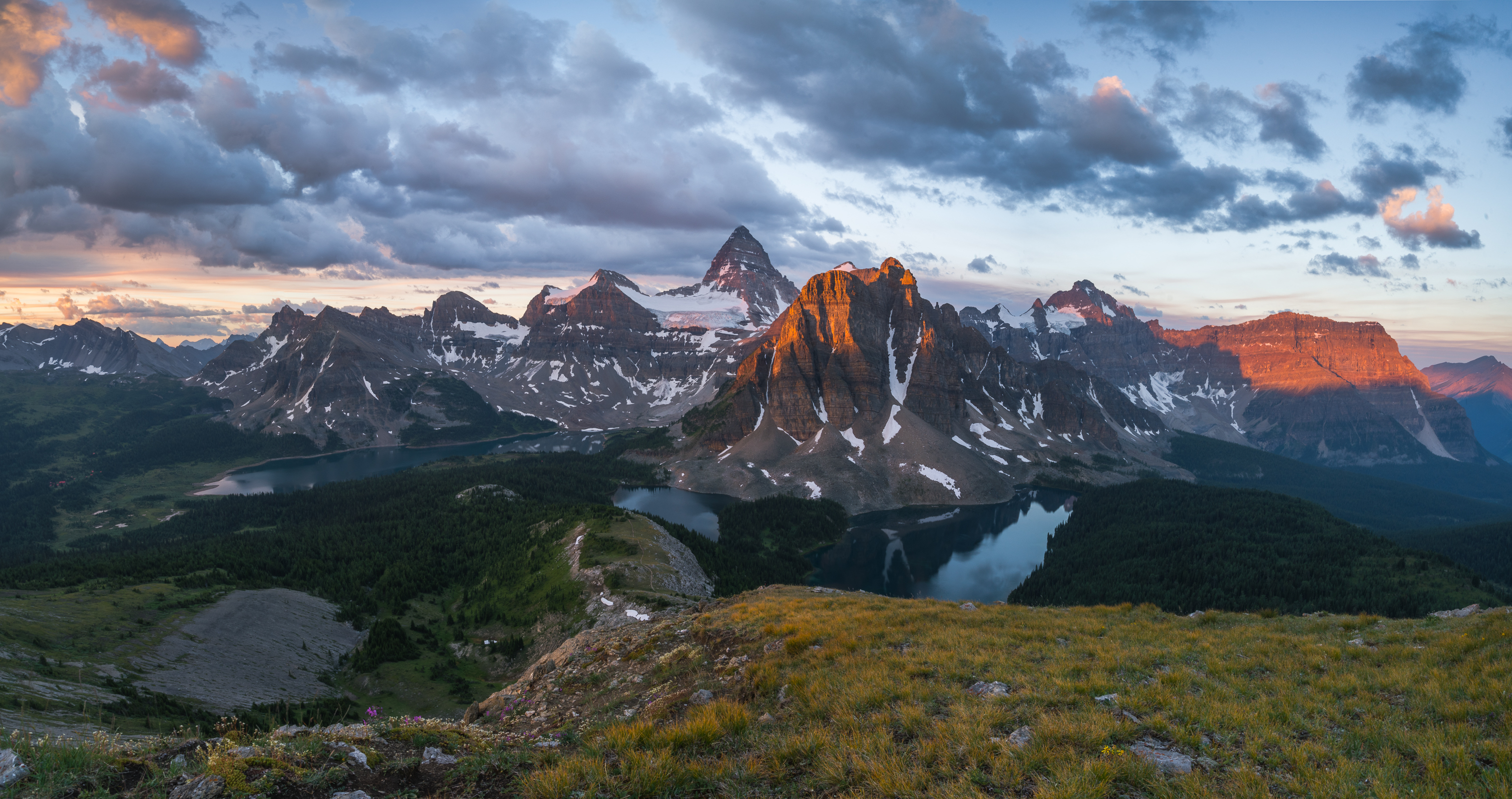 Assiniboine-Sunrise-Pano.jpg